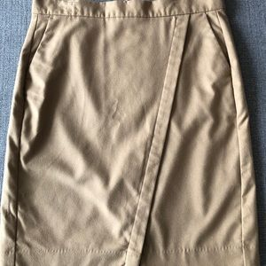 NWOT Camel banana republic overlap skirt